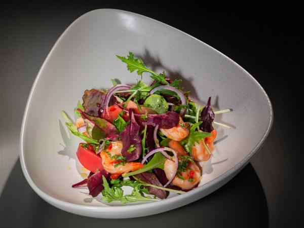 Салатная смесь «Окинава» с креветками и устрично-имбирной заправкой