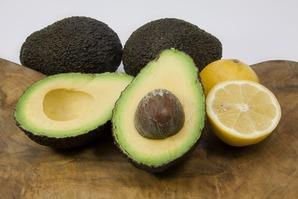 Авокадо в весеннем меню: полезные свойства, рецепты салатов, подбор ингредиентов