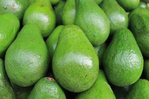Авокадо в вегетарианских салатах