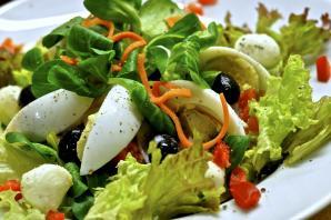 Легкий салат: подбираем ингредиенты правильно