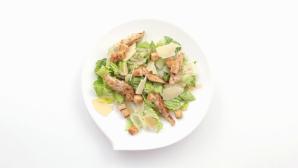 Новый рецепт салата Цезарь от Белой Дачи