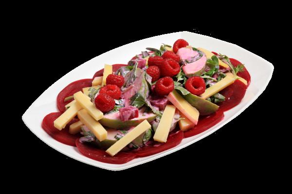 Салат с яблоками и свеклой с сыром комте