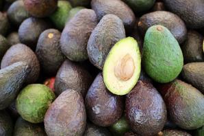 Салаты с авокадо – сытно и вкусно