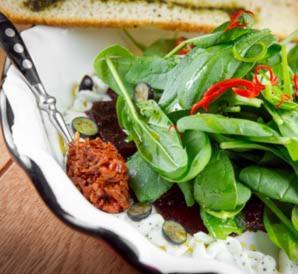 Салаты со шпинатом - настоящее подспорье для худеющих